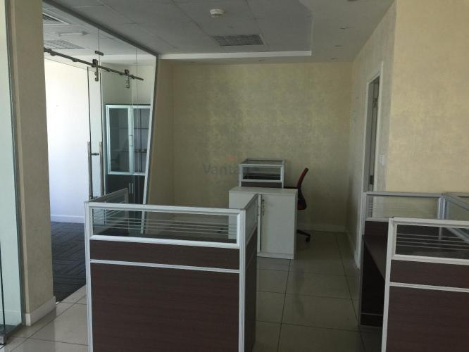 fitted-with-partition-office-for-rent-in-bayswater