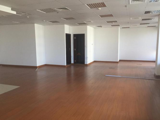 vacant-fitted-office-in-silver-tower-close-to-metro