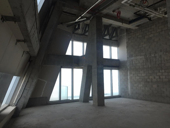shell-n-core-high-ceiling-office
