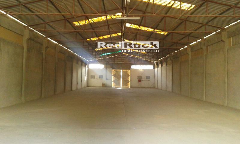 Prime Location 6700 Sqft Warehouse with 2 Entrances In Umm Ramool