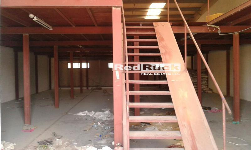 Aed 180K/Yr for 5100 Sqft Warehouse with Mezzanine in Ras Al Khor