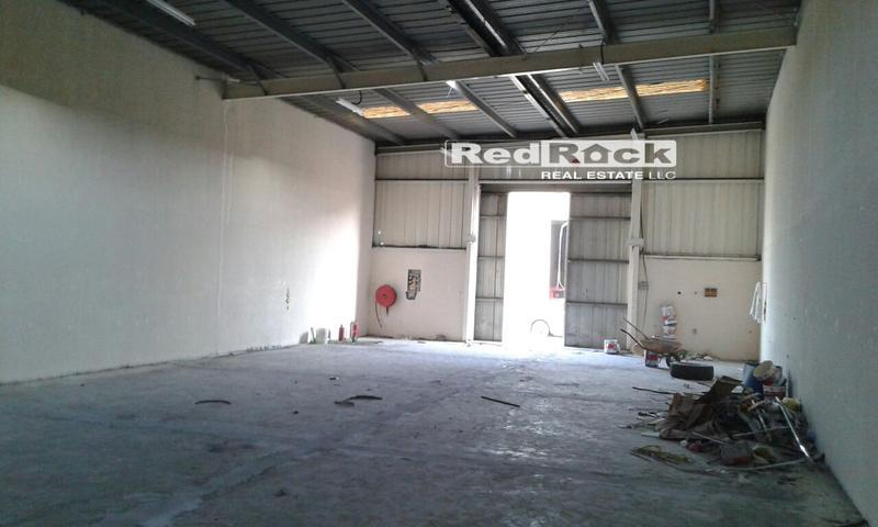 Clean 3000 Sqft Warehouse in Ras Al Khor for Aed 140,000 /Yr