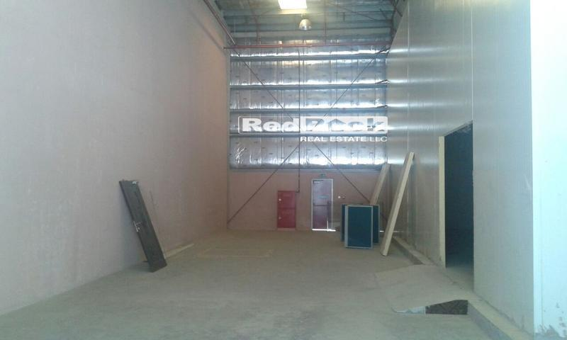 Ideal for Cold Storage 3400 Sqft Warehouse 50KW Power in Ras Al Khor