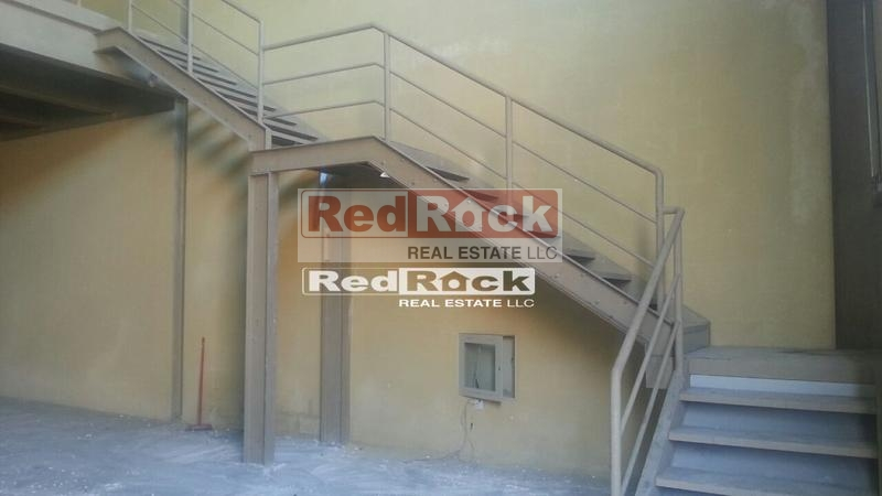 Commercial 4004 Sqft Insulated Warehouse for Aed 160,160/Yr