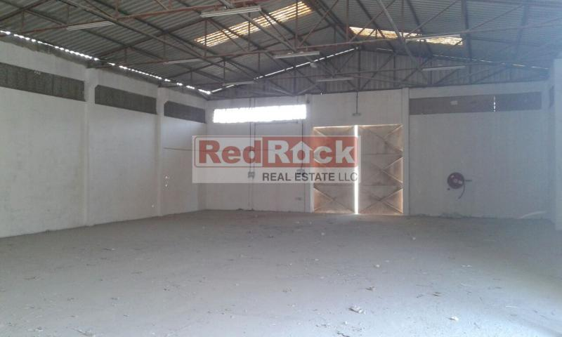 Ideal for Dubai Airport Suppliers 3375 Sqft Warehouse in Umm Ramool