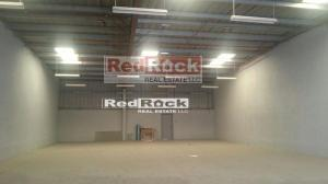 Use as Showroom 6000 Sqft Warehouse with 2 Entrances
