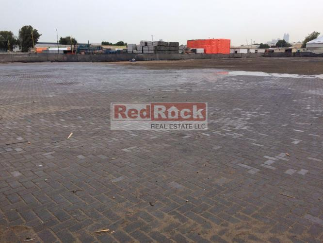 Al Quoz 60000 Sqft Land for Storage for Aed 800,000/Yr