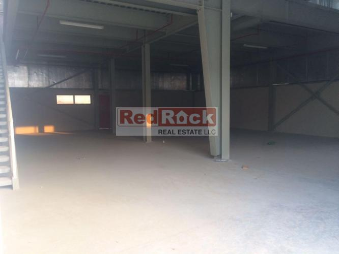 Tidy 3302 Sqft Warehouse with Mezzanine in Ras Al Khor for Aed 150,000/Yr