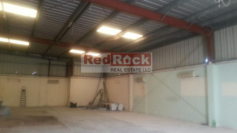 Suitable for Light Commercial Activity 2900 Sqft Warehouse in Al Quoz