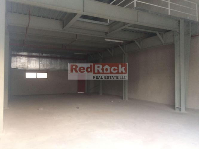 Good for Ship Chandlers 3300 Sqft Warehouse in Ras Al Khor