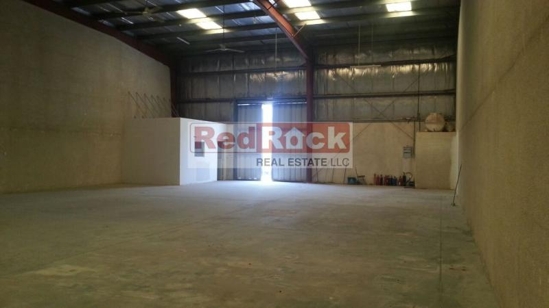 Clean 3600 Sqft Warehouse in Good Location of Al Quoz-4