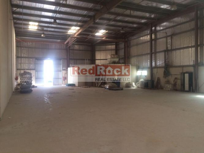Fully Insulated 4000 Sqft Warehouse in Good Location of DIP 2
