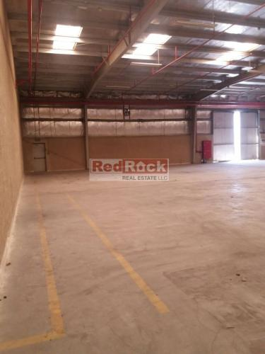 Neat & Clean 7500 Sqft Warehouse with Sprinklers in Al Quoz