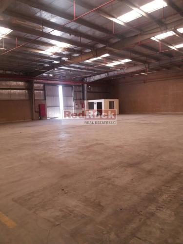 Clean 7500 Sqft Warehouse with Sprinklers in Al Quoz