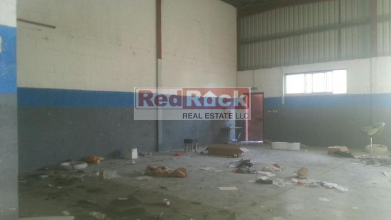 2800 Sqft Showroom Cum Warehouse in Al Quoz4 for Aed 130,000/Yr