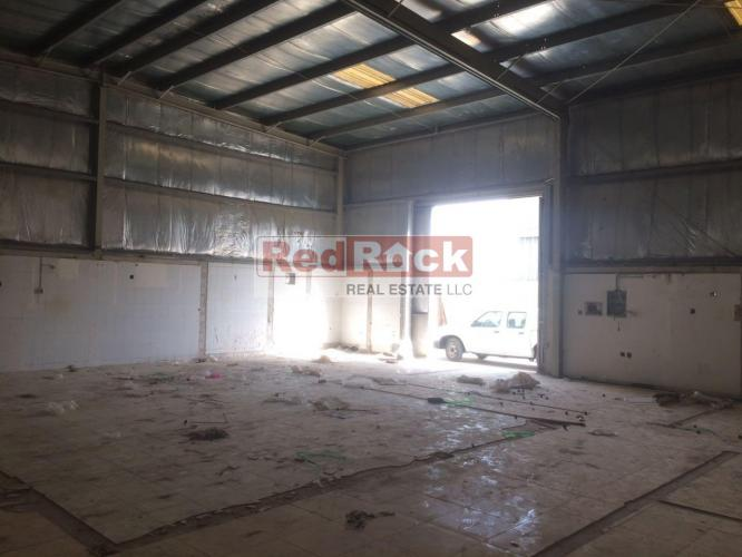 Insulated 2600 Sqft Warehouse in Al Qusais for Aed 130,000/Yr