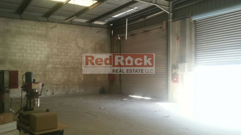 Al Quoz 1800 Sqft Warehouse Ideal for Building Materials Aed 99,000/Yr