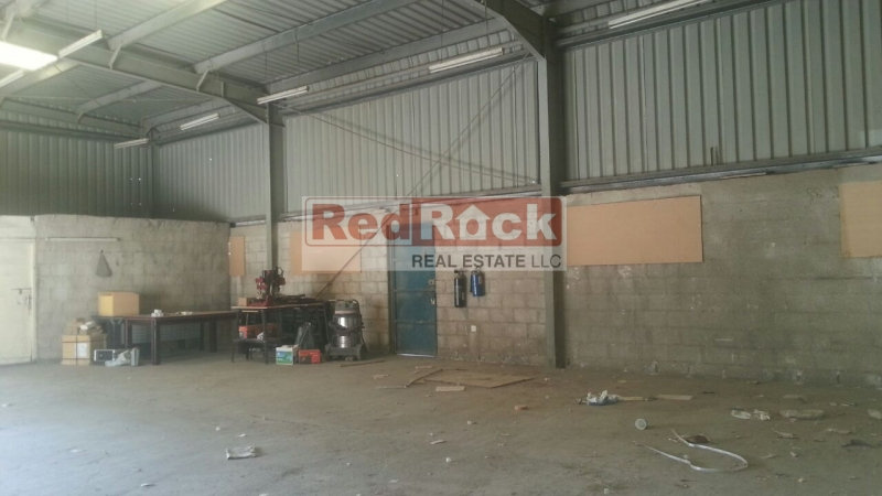 Al Quoz 1800 Sqft Warehouse Ideal for Building Materials for Aed 100,000/Yr