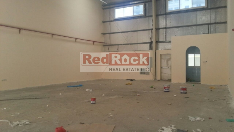 Excellent Location Clean 2200 Sqft Warehouse In Al Quoz 2