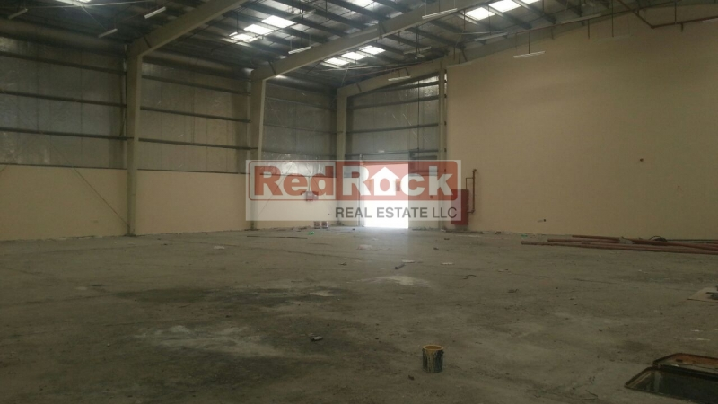 Clean Layout 5500 Sqft Warehouse Suitable for FMCG in Al Quoz