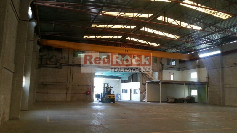 Independent 20000 Sqft Warehouse In Prominent Location Al Quoz