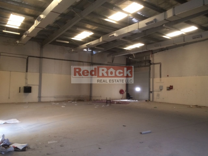 Insulated 3890 Sqft Warehouse in DIP Aed 136,150/Yr