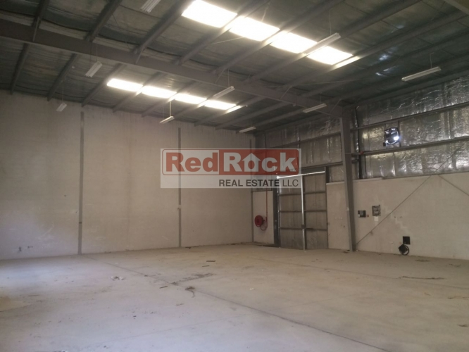 Fully Insulated 3274 Sqft Warehouse in DIP for Aed 104K/Yr