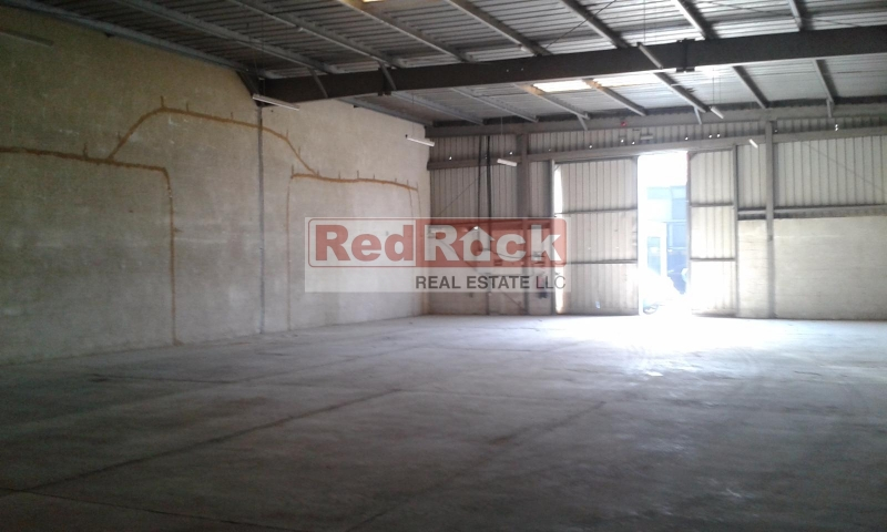 Clean 4200 Sqft Warehouse in Umm Ramool for Aed 200,000/Yr