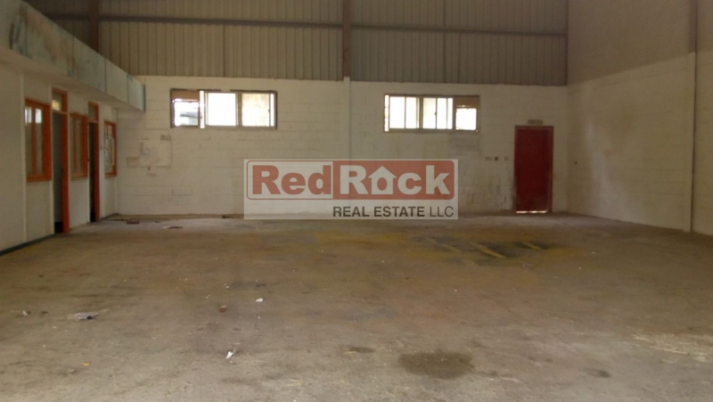 Road Facing 2800 Sqft Warehouse with Offices in Al Quoz 4