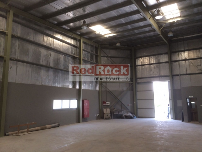 DIP Prime Location 2175 Sqft Fully Insulated Warehouse