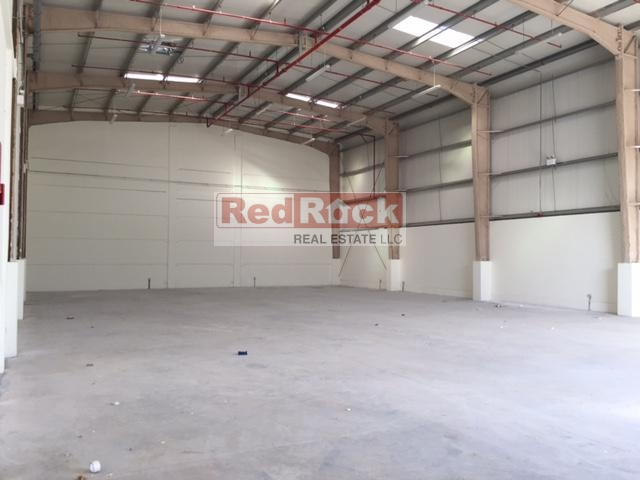 No Tax 10380 Sqft Warehouse In DIC With Modern Amenities