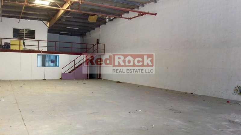 Near Oasis Mall 3000 Sqft Clear Layout Warehouse for Aed 160K/Yr