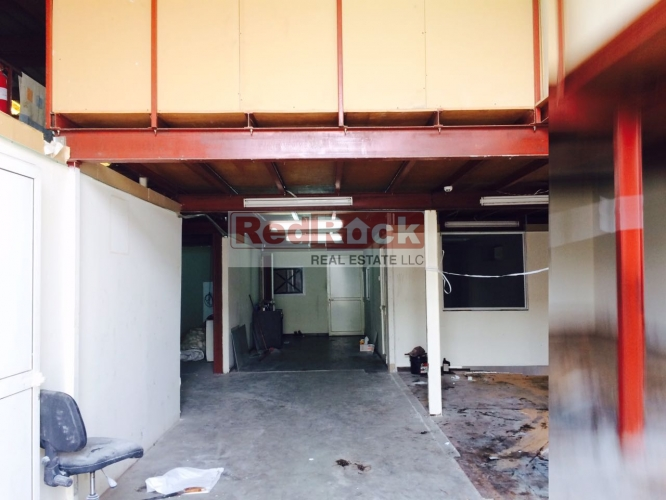 Aed 135K/Yr for 5600 Sqft Warehouse with Mezzanine & Office in Ras Al Khor