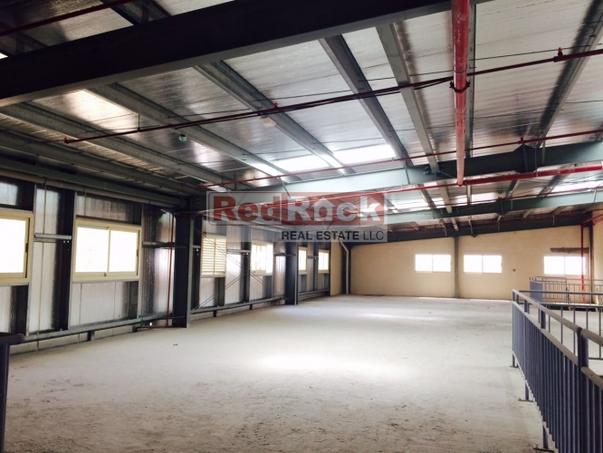 Aed 290,000/Yr for 5800 Sqft Commercial Warehouse In Ras Al Khor