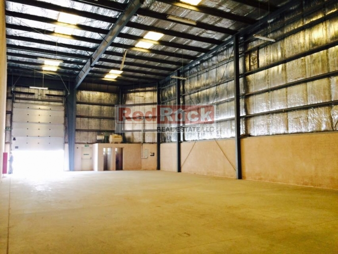 Al Qusais 3860 Sqft Insulated Warehouse for Commercial Use
