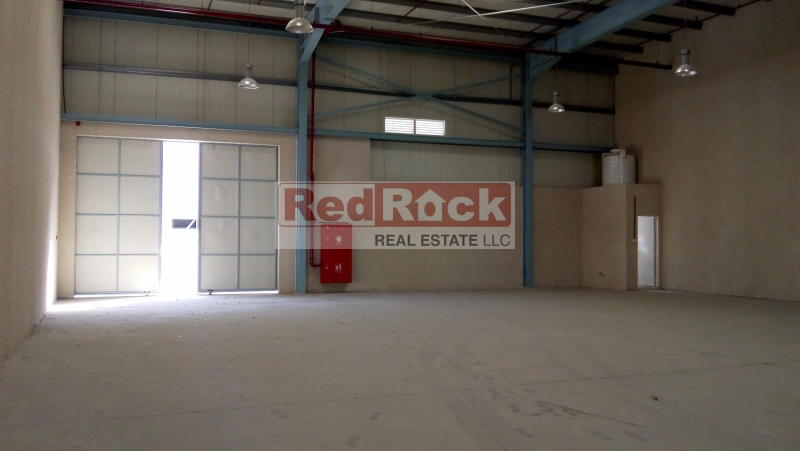 New 9345 Sqft Insulated Warehouse in DIP for Aed 327,075/Yr