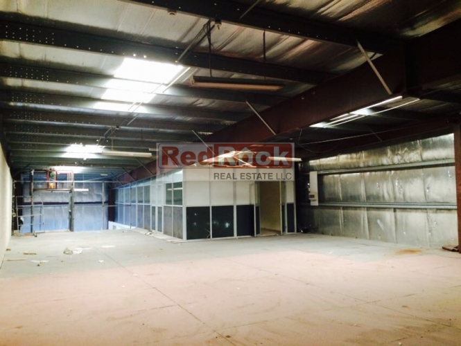 Built in Offices 3500 Sqft Warehouse in Ras Al Khor for Aed 150,000/Yr