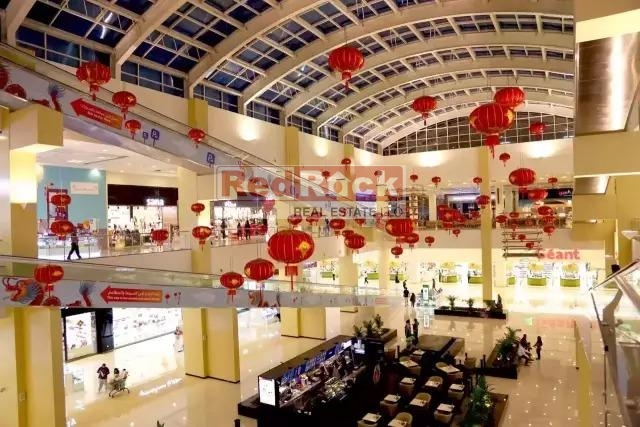 On Emirates Road Best Investment Opportunities Running Shopping Mall for Sale