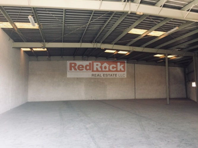 Road Facing 3500 Sqft Warehouse in Ras Al Khor for Aed 120,000/Yr