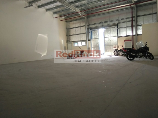 Neat Commercial 2200 Sqft Warehouse in Ras Al Khor for Aed 110,000/Yr