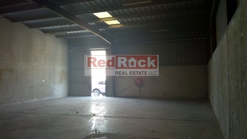 Al Quoz 2500 Sqft Commercial Warehouse for Aed 110K/Yr