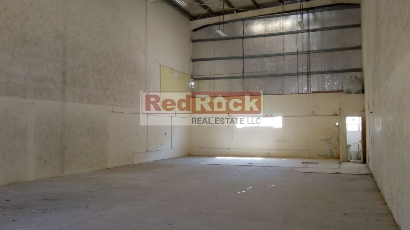 Rare to Find 10M Height 2750 Sqft Warehouse in Al Quoz