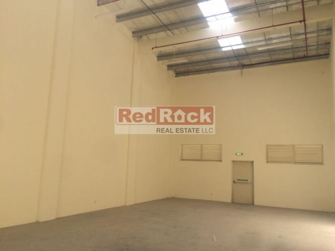 Commercial 1550 Sqft Insulated Warehouse in Ras Al Khor