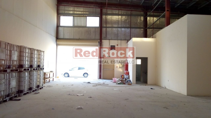 Clean Commercial 2100 Sqft Warehouse in DIP