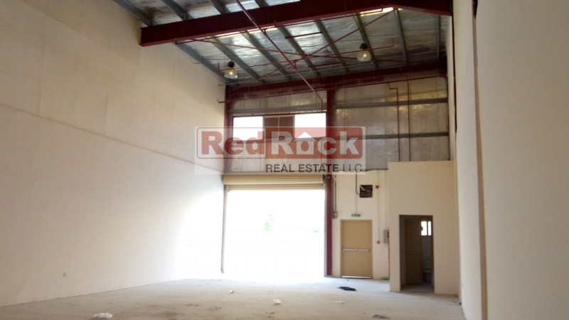 Tidy Insulated Commercial 2100 Sqft Warehouse in DIP