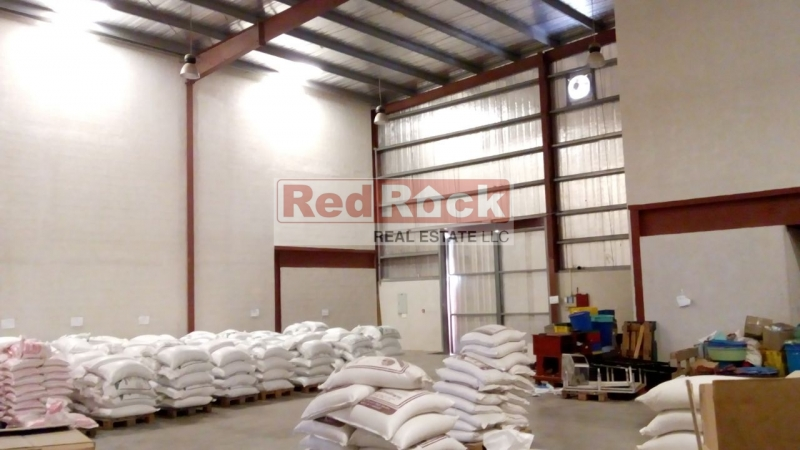 Ideal for FMCG 10,300 Sqft Insulated Warehouse in DIP @ Aed 28/Sqft