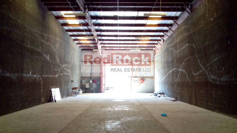 Ideal for Joinery 3400 Sqft Warehouse in DIP for Aed 150,000/Yr Incl Tax