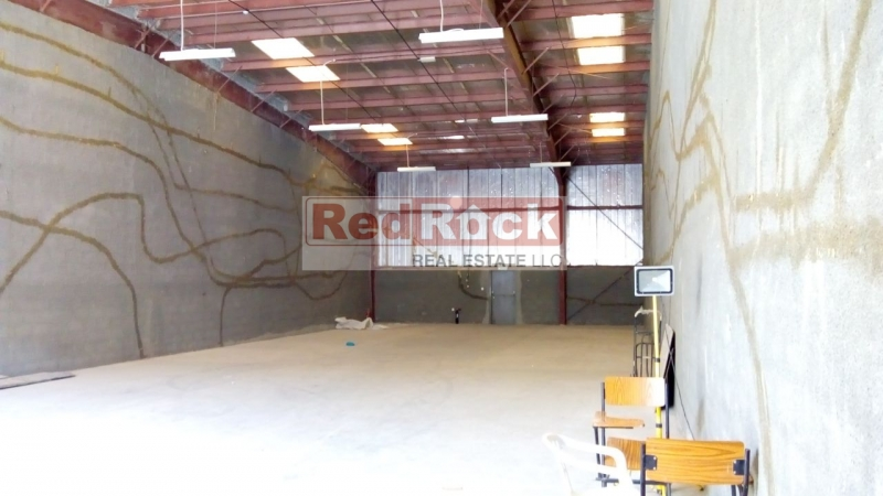 Ideal for Joinery 3400 Sqft Commercial Warehouse in DIP