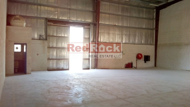Reasonably Priced 2594 Sqft Warehouse in DIP for Aed 90,000/Yr