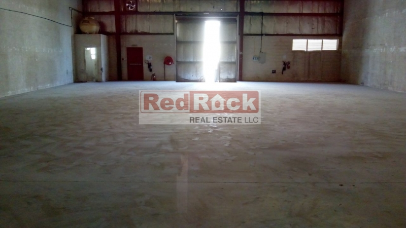 20KW Power 4575 Sqft Warehouse in DIP for Aed 160,000/Yr